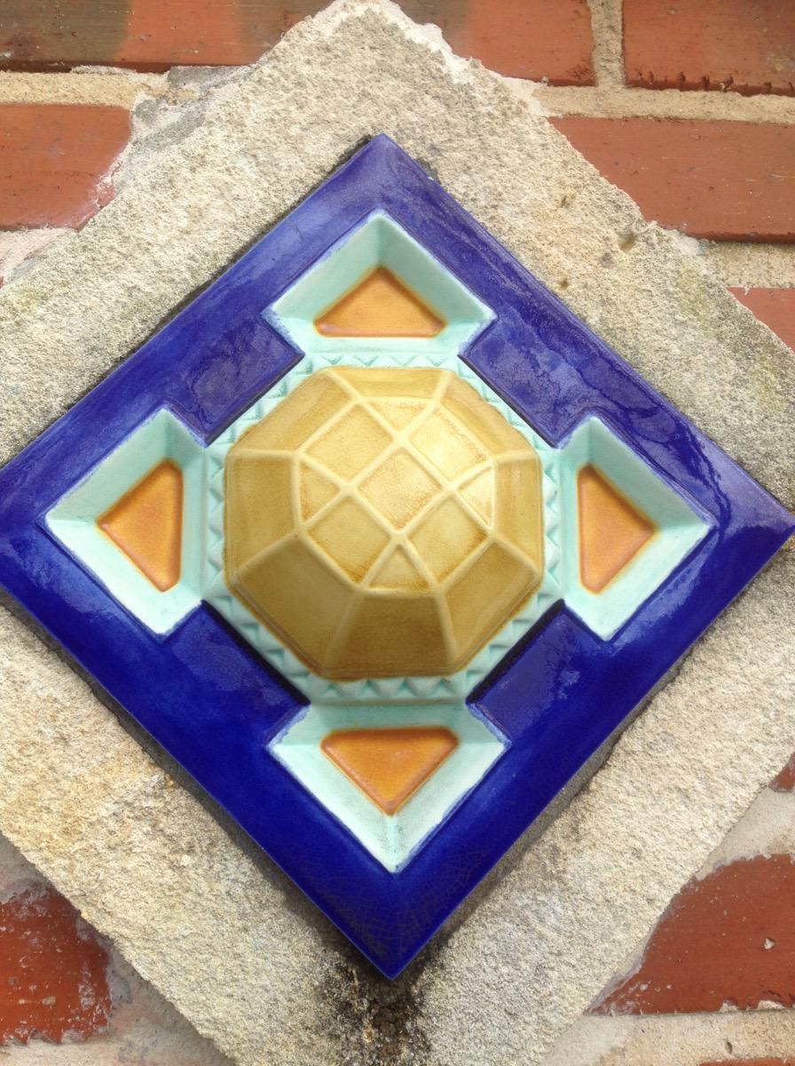Décor façade en céramique émaillée de couleur